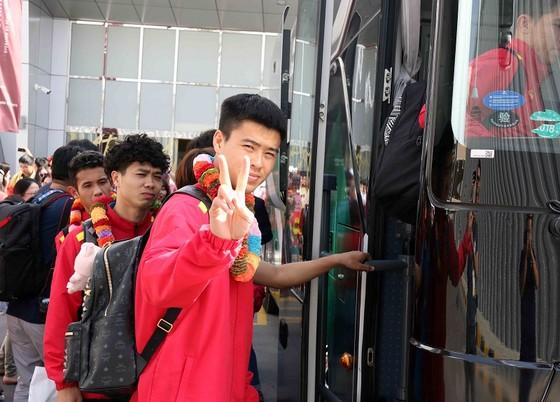 Đội tuyển Việt Nam đến UAE ảnh 6