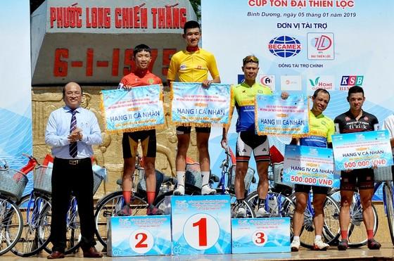 Nguyễn Văn Nghĩa thắng chặng 1 cuộc đua Xe đạp Truyền hình Bình Dương 2019 ảnh 2
