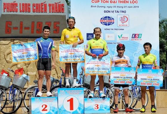 Nguyễn Văn Nghĩa thắng chặng 1 cuộc đua Xe đạp Truyền hình Bình Dương 2019 ảnh 1