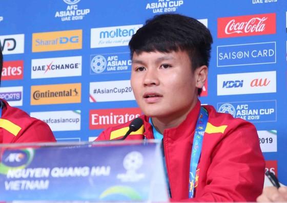 Nguyễn Quang Hải tại buổi họp báo. Ảnh: ĐOÀN NHẬT