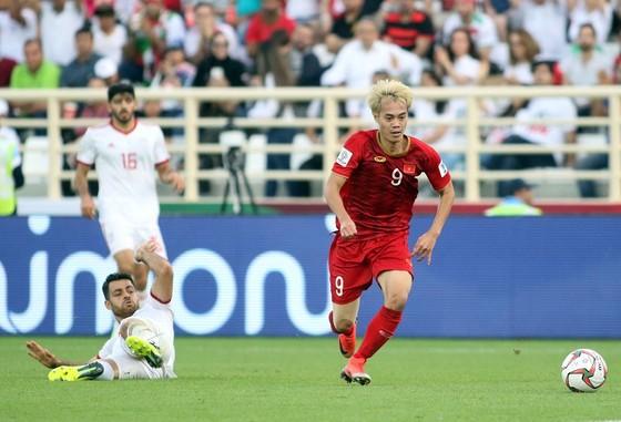 Hãy hài lòng với những thể hiện của đội tuyển Việt Nam ảnh 1