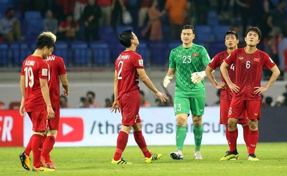 (Trực tiếp) Việt Nam - Nhật Bản 0-1: VAR lại đem niềm vui về cho Nhật Bản ảnh 13