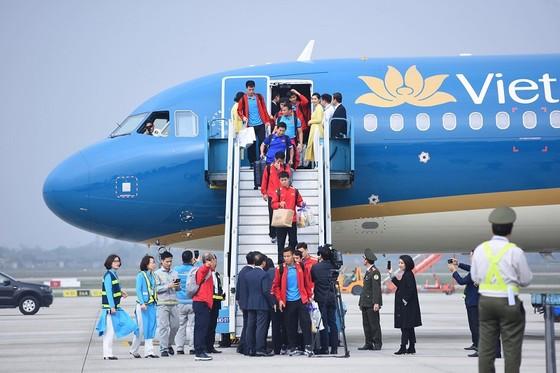 Đội tuyển Việt Nam về nước ảnh 1