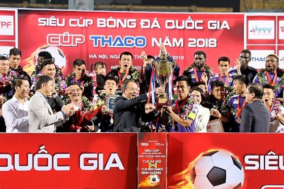 Đội Hà Nội lần thứ 2 đoạt Siêu Cúp. Ảnh: MINH HOÀNG