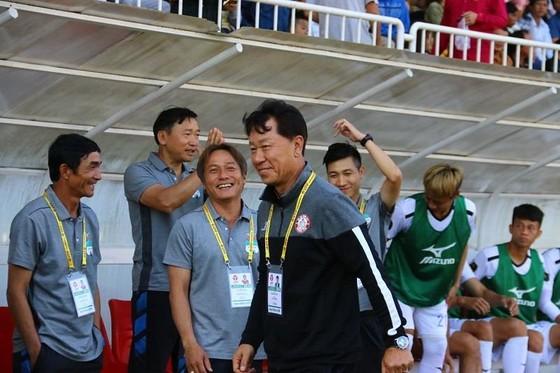 HA.GL  -CLB TPHCM 1-2: Đội bóng phố Núi trắng tay trên sân nhà ảnh 2
