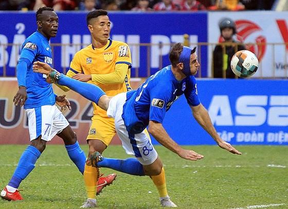 Cú đúp của Hải Huy giúp Than Quảng Ninh thắng trận đầu mùa ảnh 1