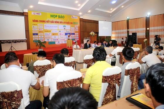 Toàn cảnh buổi họp báo, bốc thăm chia bảng vào ngày 7-3