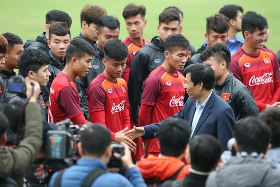 Bộ trưởng Bộ VH-TT&DL Nguyễn Ngọc Thiện thăm các đội tuyển quốc gia ảnh 2