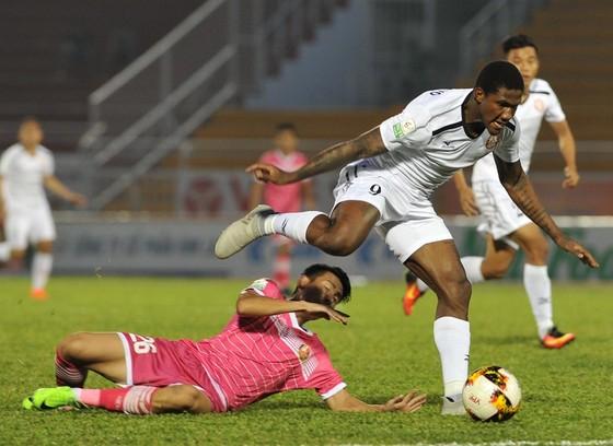 Điểm binh vòng 4 V-League 2019: Khánh Hòa ở thế dựa chân tường ảnh 4