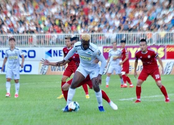 Điểm binh vòng 4 V-League 2019: Khánh Hòa ở thế dựa chân tường ảnh 3