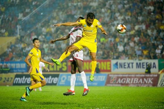 Điểm binh vòng 5 V-League 2019: Quyết chiến ở nhóm cuối bảng ảnh 1