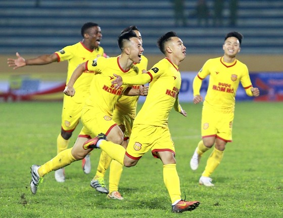 Điểm binh vòng 5 V-League 2019: Quyết chiến ở nhóm cuối bảng ảnh 3