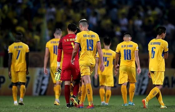 Điểm binh vòng 5 V-League 2019: Quyết chiến ở nhóm cuối bảng ảnh 4