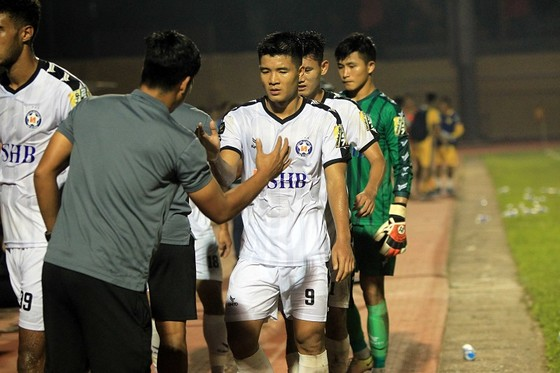 Điểm binh vòng 5 V-League 2019: Quyết chiến ở nhóm cuối bảng ảnh 5