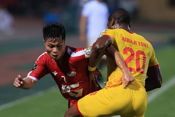 """Viettel đã xuất sắc giành chiến thắng trong """"trận cầu 6 điểm"""" với Nam Định. Ảnh: MINH HOÀNG"""