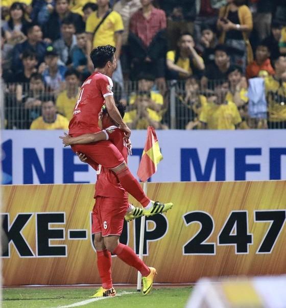 Vòng 6 V-League 2019: Sức nóng ở hai đầu bảng xếp hạng ảnh 1