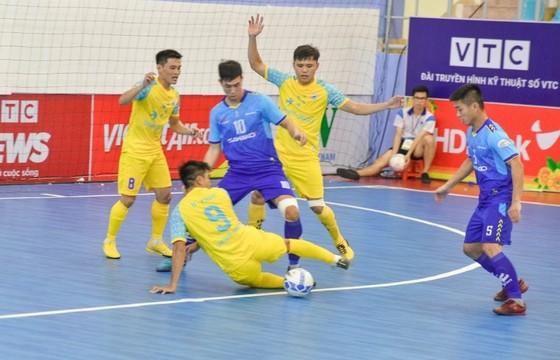 Thái Sơn Bắc thắng sốc trước các nhà đương kim vô địch ảnh 2