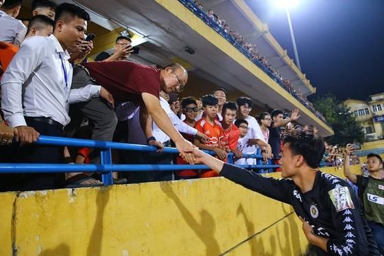 Thua CLB Hà Nội 0-1, CLB TPHCM đánh mất ngôi đầu bảng ảnh 2