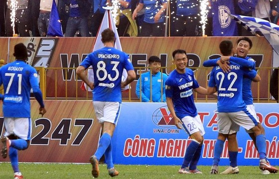 Than Quảng Ninh tiếp tục tận dụng thành công ưu thế sân nhà trong trận gặp Khánh Hòa. Ảnh: MINH HOÀNG