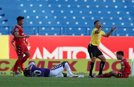Cầu thủ Nguyễn Hùng Thiện Đức được chuyển đến bệnh viện 115 (TPHCM) ảnh 1