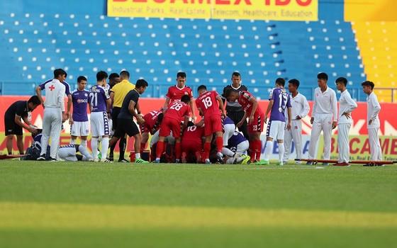 Cầu thủ Nguyễn Hùng Thiện Đức được chuyển đến bệnh viện 115 (TPHCM) ảnh 5