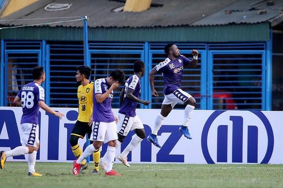 CLB Hà Nội giành ngôi đầu bảng F. Ảnh: MINH HOÀNG