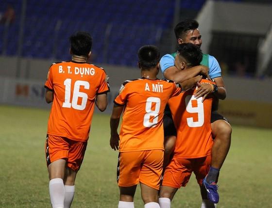 Đức Chinh ghi bàn, Đà Nẵng giành 3 điểm trước CLB TPHCM ảnh 1