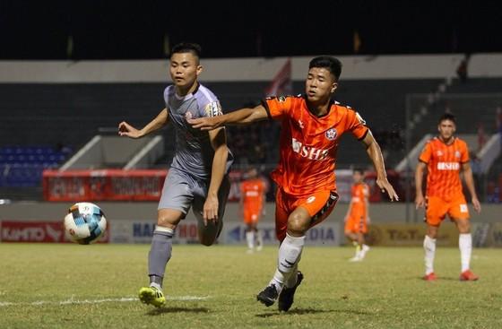 Đức Chinh tỏa sáng với bàn thắng ấn định tỷ số 2-0. Ảnh: VIẾT ĐỊNH
