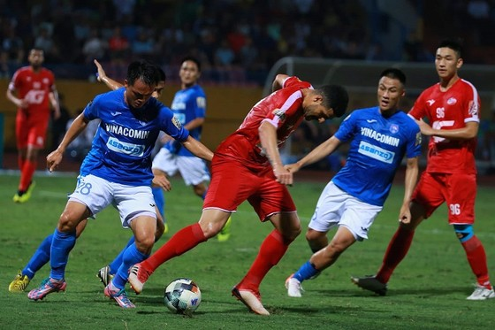 Mạc Hồng Quân tỏa sáng giúp Than Quảng Ninh giành 1 điểm trước Viettel ảnh 1