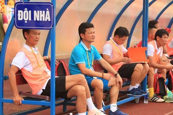 Cả Hải Phòng lẫn Than Quảng Ninh đều dính phạt vì pháo sáng ảnh 1