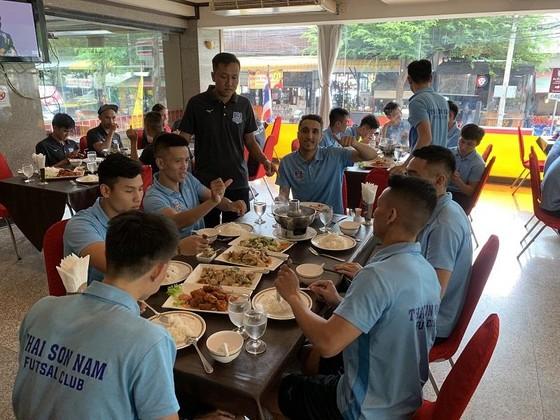 Thái Sơn Nam sẵn sàng cho trận gặp Thammasat ảnh 3