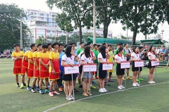 Các VĐV tham dự môn bóng đá. Ảnh: Anh Trần