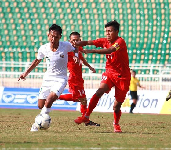 U18 Indonesia giành ngôi đầu bảng A ảnh 1