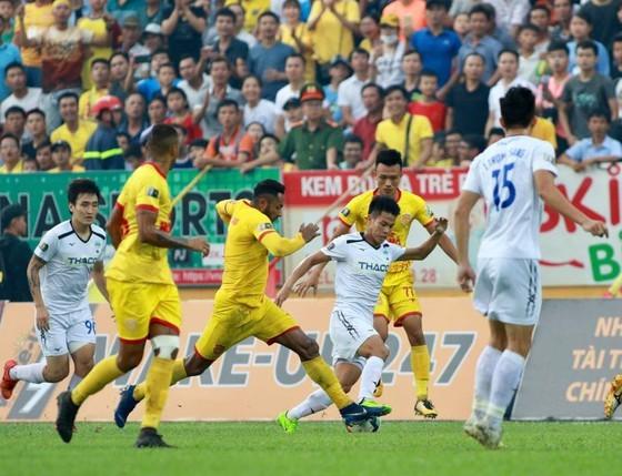 Trái ngược Hà Nội FC, HA.GL đủ tiêu chuẩn đá giải châu Á  ảnh 2
