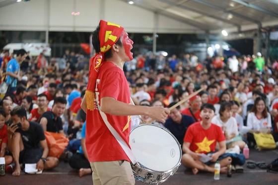 (Trực tiếp) Việt Nam - Malaysia 1-0: Quả bóng vàng VN 2018 đóng vai người hùng ảnh 3