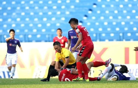 Trọng tài người Malaysia sẽ điều khiển trận Thanh Hóa - Viettel ảnh 1