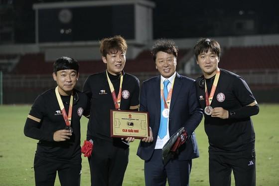 """HLV Chung Hae-soung chia sẻ bí quyết giúp TPHCM """"lột xác"""" ở V-League 2019 ảnh 2"""