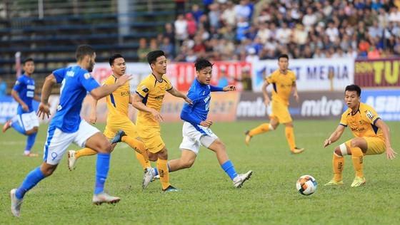 Than Quảng Ninh và SLNA tiếp tục hòa 0-0 ở trận lượt về. Ảnh: Minh Hoàng