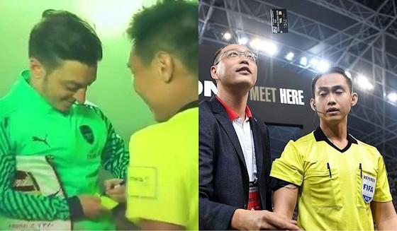 Trọng tài Nathan Chan Rong từng gây chú ý khi xin chữ ký của ngôi sao Ozil. Ảnh: ICC