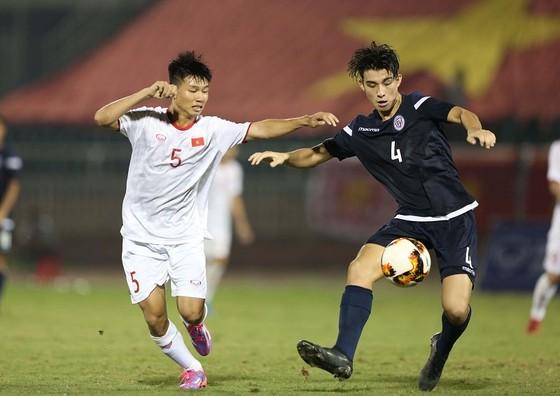Đánh bại Guam, U19 Việt Nam nuôi hy vọng tranh đầu bảng  ảnh 1