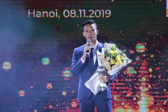HLV Park Hang-seo và Quang Hải tỏa sáng ở AFF Awards Night 2019 ảnh 6