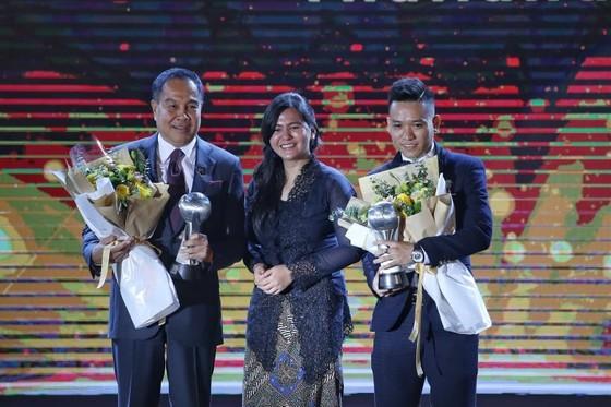 HLV Park Hang-seo và Quang Hải tỏa sáng ở AFF Awards Night 2019 ảnh 1