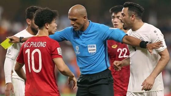 """""""Người quen"""" điều khiển 2 trận đấu của Việt Nam tại vòng loại World Cup ảnh 1"""