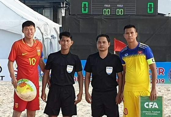 Việt Nam thắng Trung Quốc 7-5 tại Giải bóng đá bãi biển AFF 2019 ảnh 1