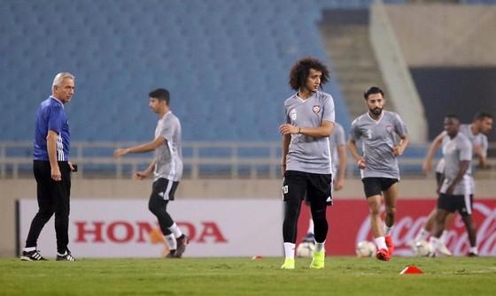 UAE làm quen sân Mỹ Đình ảnh 1