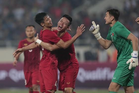 Thủ môn Văn Lâm cùng các đồng đội chỉ để lọt lưới 1 bàn sau 4 trận đấu. Ảnh: Dũng Phương
