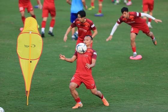 Việt Nam gia nhập Top các đội bóng xuất sắc nhất  ở lượt đi vòng loại World Cup 2022 ảnh 1