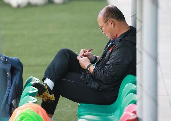 Trung vệ Duy Mạnh: Thầy Park luôn truyền tinh thần dân tộc đến các cầu thủ  ảnh 2