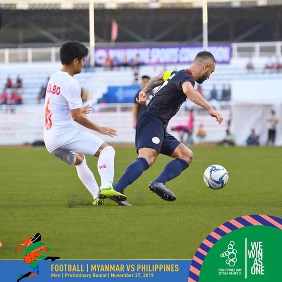 Thua Myanmar 1-2, chủ nhà Philippines có nguy cơ bị loại ảnh 1