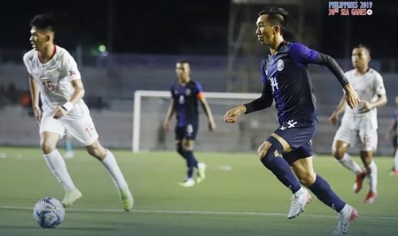 Campuchia đang tạm dẫn đầu bảng A